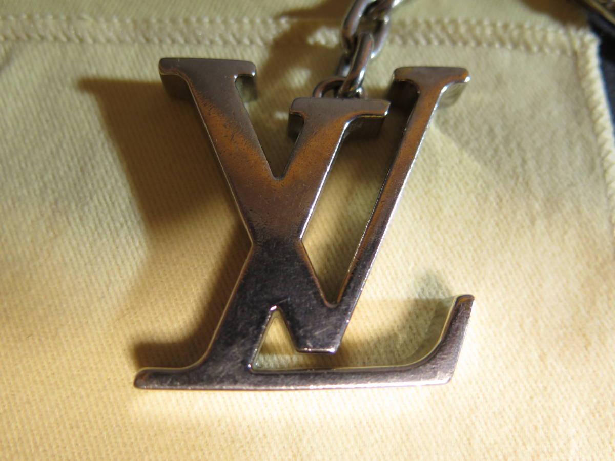 中古品 LOUIS VUITTON ルイ ヴィトン ポルト クレ イニシアル LV / キーリング/ 携帯 バッグ チャーム/キーホルダー 箱、保存袋付き_画像4