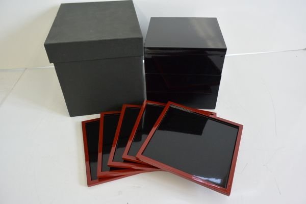 サ/ 漆器 3段重箱セット (菓子皿5枚付)_画像1