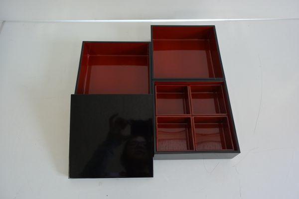 サ/ 漆器 3段重箱セット (菓子皿5枚付)_画像2