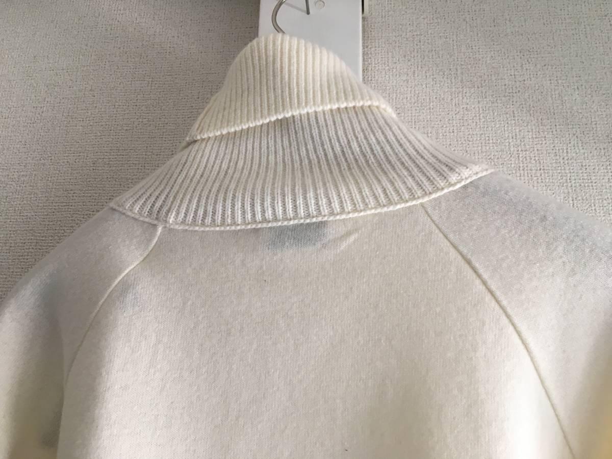 新品 本物 モンクレール ヴァージン ウール ハイネック ニット S アイボリー 白 ホワイト MONCLER セーター トップス ロゴ ワッペン 裏付き_画像4