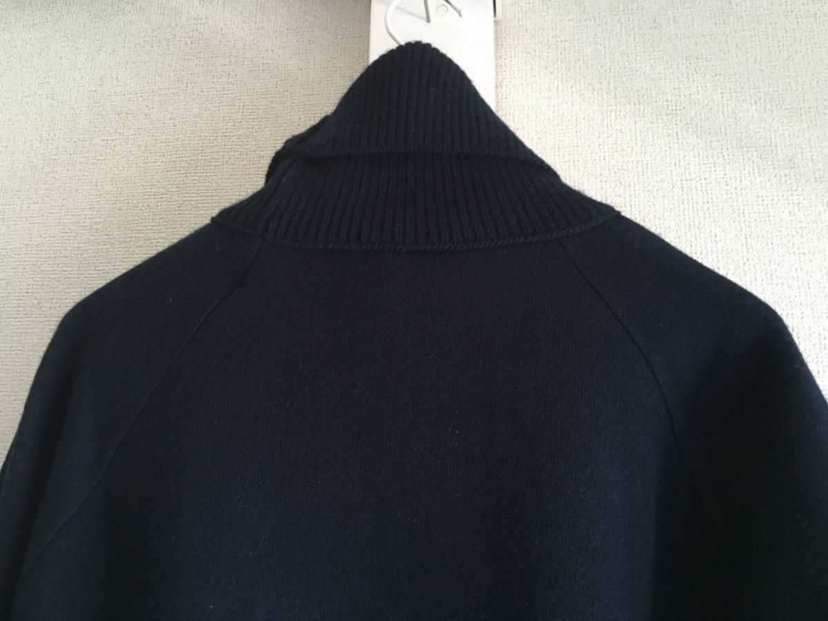 新品 本物 モンクレール ヴァージン ウール ハイネック ニット M ネイビー 紺 ブルー MONCLER セーター トップス ロゴ ワッペン 裏付き_画像4