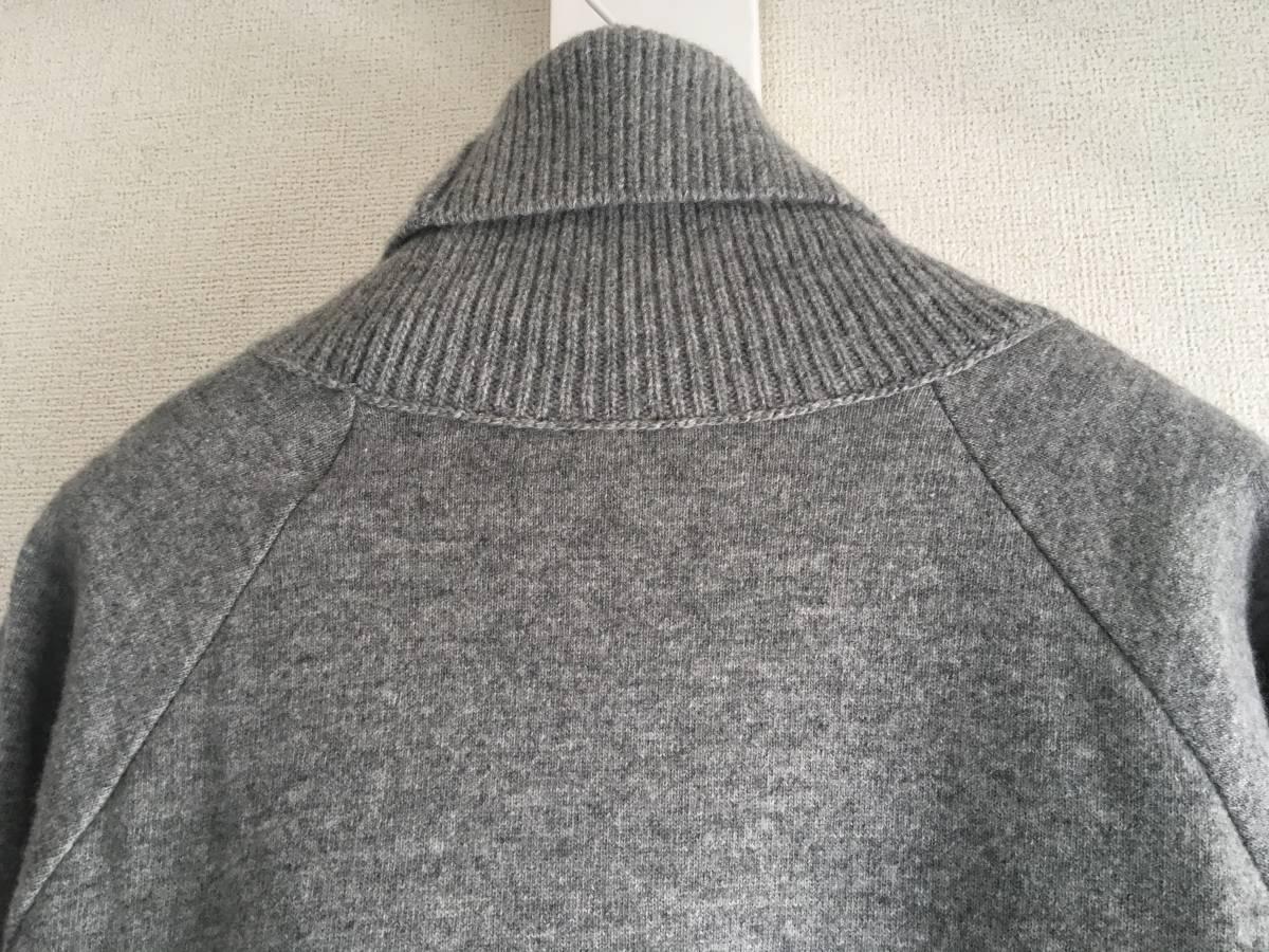 新品 本物 モンクレール ヴァージン ウール ハイネック ニット L グレー MONCLER セーター トップス ロゴ ワッペン 裏付き_画像4