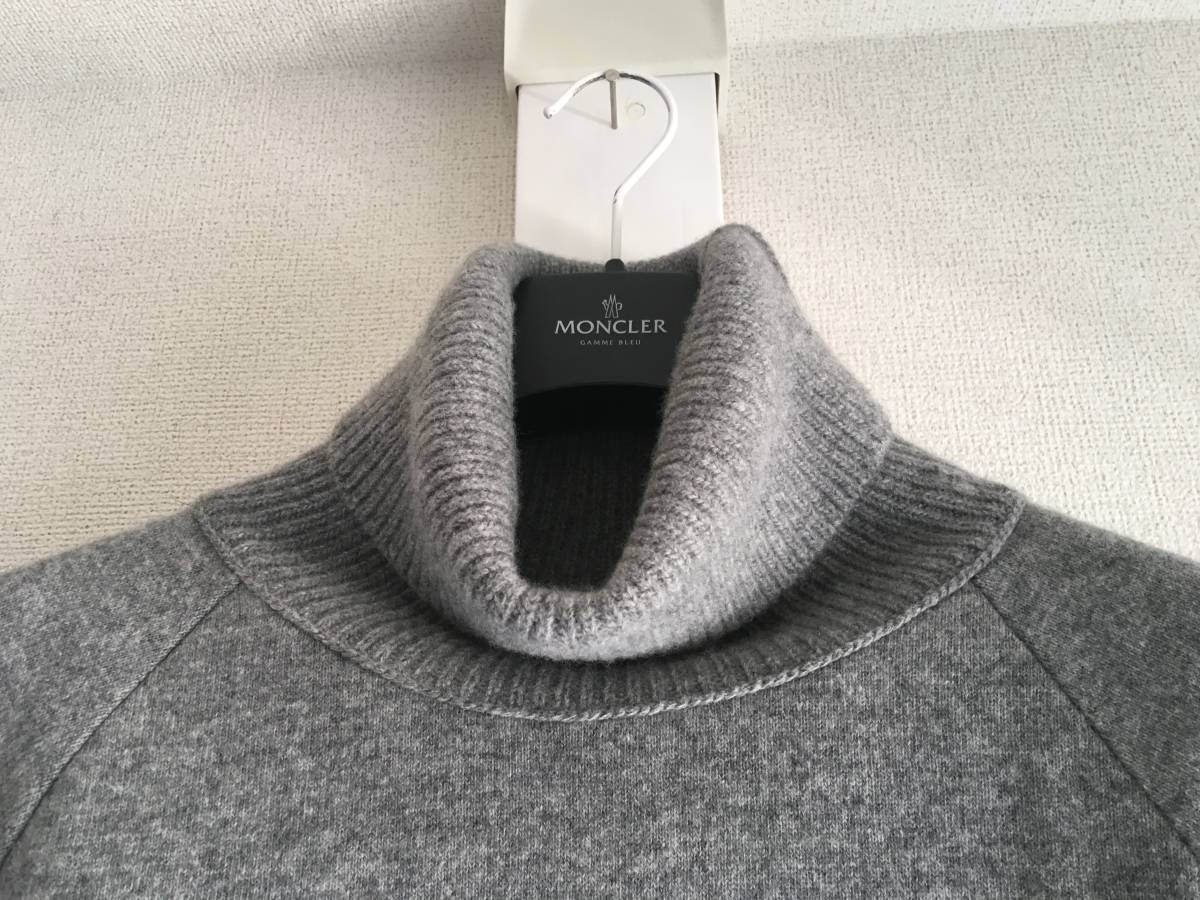 新品 本物 モンクレール ヴァージン ウール ハイネック ニット L グレー MONCLER セーター トップス ロゴ ワッペン 裏付き_画像3