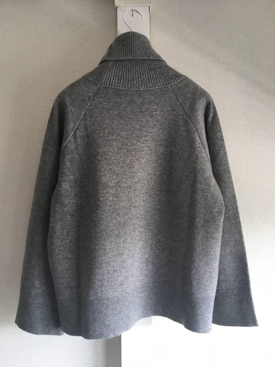 新品 本物 モンクレール ヴァージン ウール ハイネック ニット L グレー MONCLER セーター トップス ロゴ ワッペン 裏付き_画像2