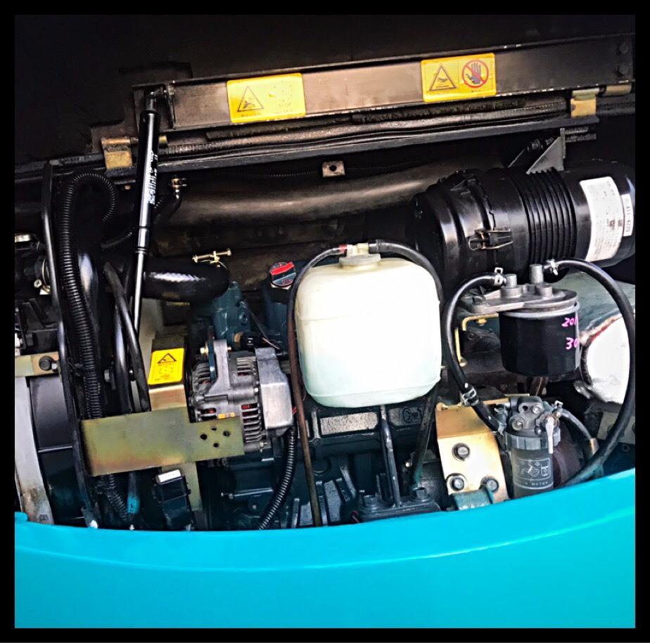 形式 クボタ ミニユンボ ディーゼル車 RX303S型 クレーン仕様 ■1246H マルチレバー有_画像3