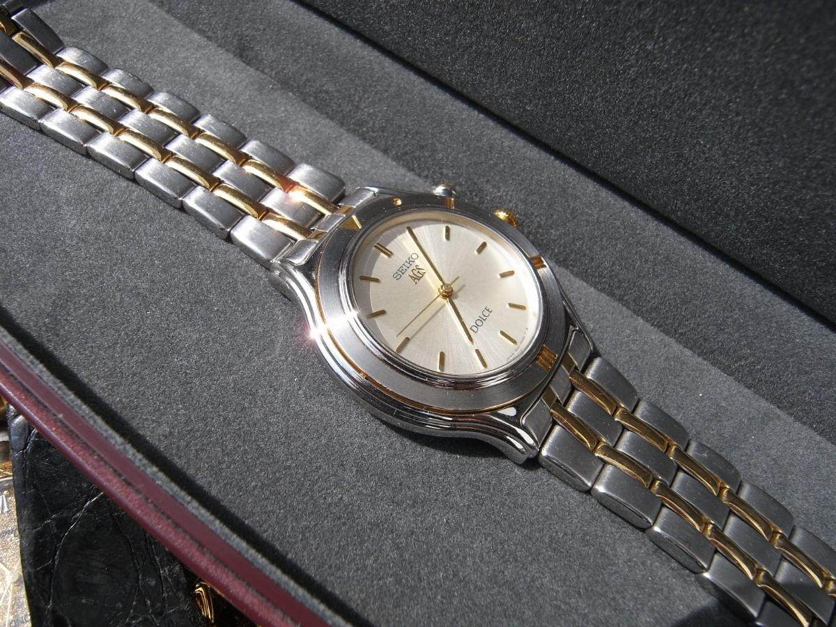 古い腕時計 大量 まとめて 320本以上 SEIKO CITIZEN 舶来など 色々 ジャンク扱い_画像8