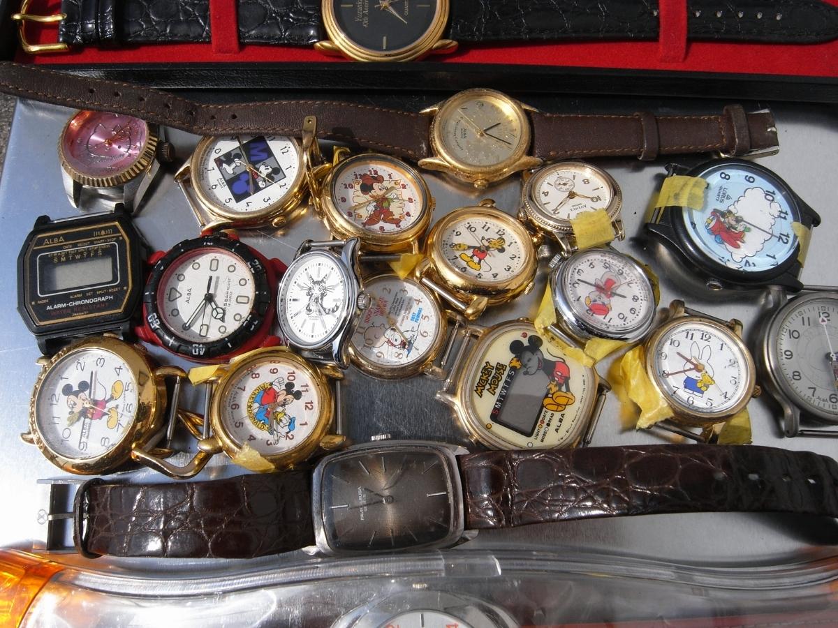 古い腕時計 大量 まとめて 320本以上 SEIKO CITIZEN 舶来など 色々 ジャンク扱い_画像10