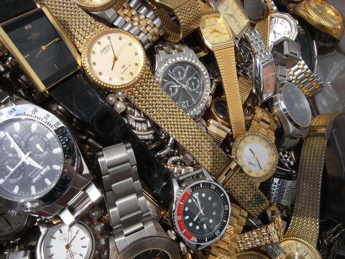 古い腕時計 大量 まとめて 320本以上 SEIKO CITIZEN 舶来など 色々 ジャンク扱い_画像3