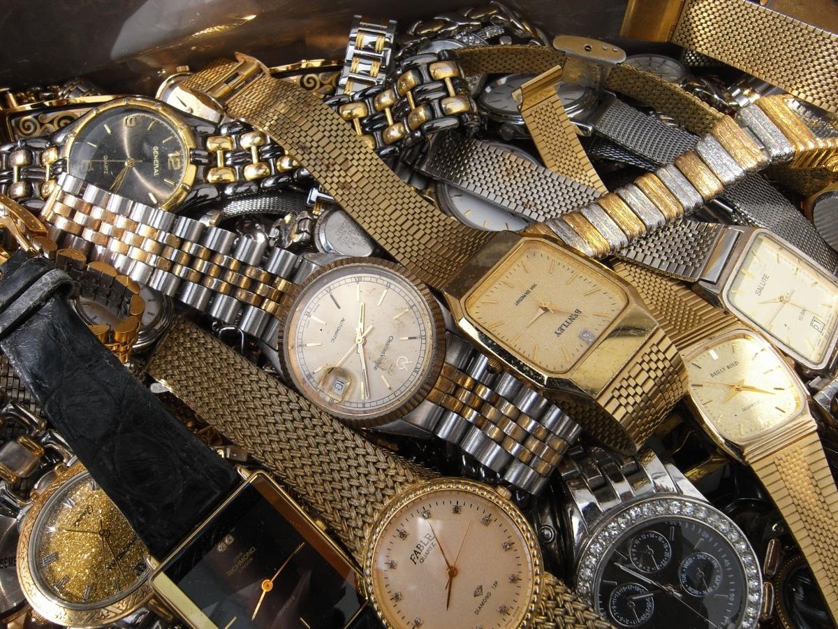 古い腕時計 大量 まとめて 320本以上 SEIKO CITIZEN 舶来など 色々 ジャンク扱い_画像4