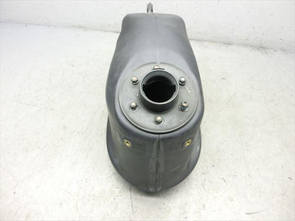 E5-0221 スズキ ストリートマジック 50 燃料タンク フューエルタンク 純正品 【CA1LB-118~ 丸目 後期型】_画像2