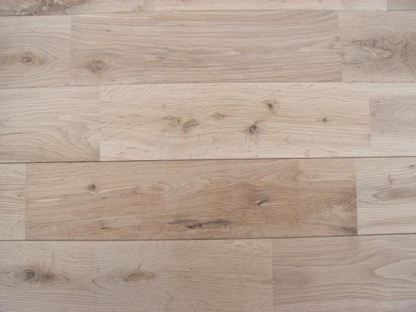 ☆ワットは税込❗ナラ材で当店最安!ナラ無垢フローリング 仕上げが自由な無塗装品 アンティークグレード1畳あたり_木材の自然なダメージが特徴です!!