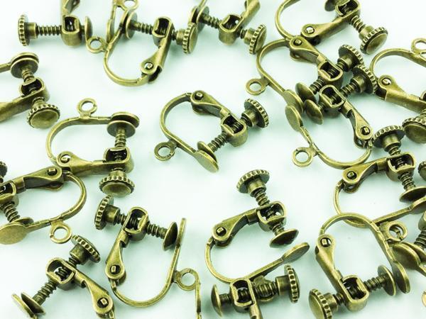 送料無料 イヤリング パーツ アンティーク ゴールド 平皿 20個 金古美 アクセサリー 素材 ハンドメイド 金具 (AP0038)