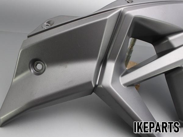 トライアンフ TRIUMPH タイガー800XC TIGER 純正 サイドカウル サイドカバー 片側 割れ有 「2306675」 A203J0346_画像4