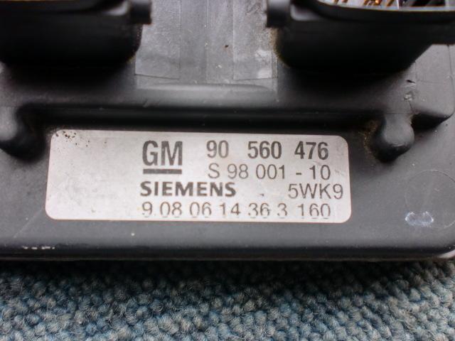 「オペル アストラ XK 00年 XK180 エンジンコンピューター 在庫No:A11968 (オペル コンピュータ)」の画像