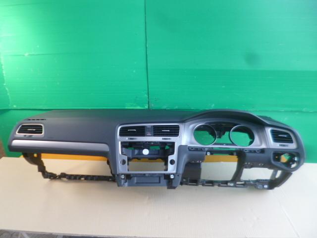 ゴルフ7 ヴァリアント AU 系 純正 ダッシュボード ダッシュ パネル 破損なし きれい [QVQV38992]VW ゴルフⅦ 5G AUCJZ パネル_画像1
