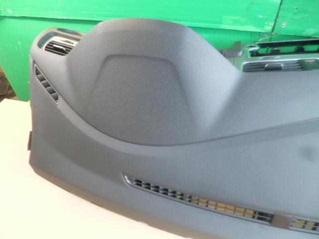 ゴルフ7 ヴァリアント AU 系 純正 ダッシュボード ダッシュ パネル 破損なし きれい [QVQV38992]VW ゴルフⅦ 5G AUCJZ パネル_画像8