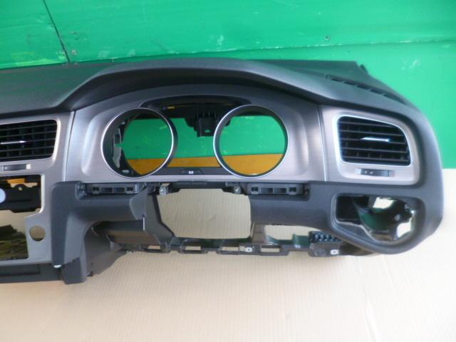ゴルフ7 ヴァリアント AU 系 純正 ダッシュボード ダッシュ パネル 破損なし きれい [QVQV38992]VW ゴルフⅦ 5G AUCJZ パネル_画像3