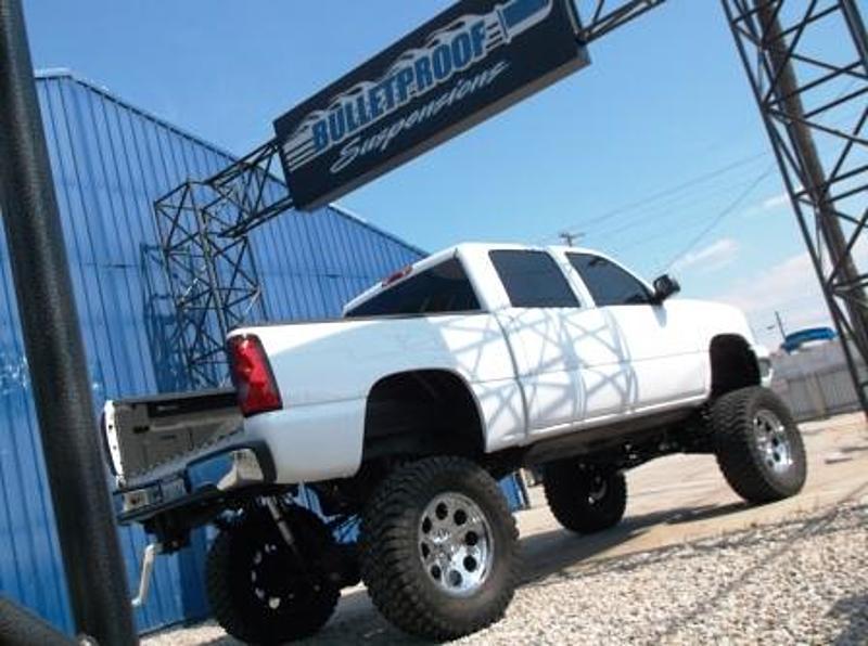 Bulletproof バレットプルーフ 1999-2006 シボレーシルバラード/GMC シエラ 1500 2WD 14-18インチ リフトアップキット_画像2