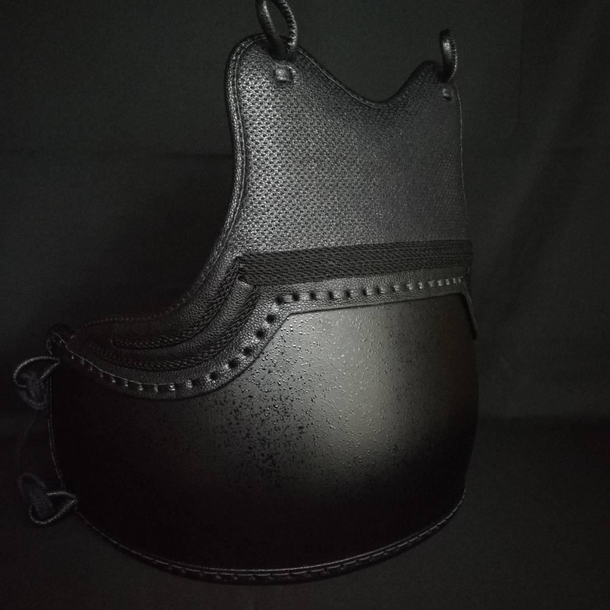 黒石目50本型胴 ベタナナメ刺 胸は腕の動きを妨げないえぐり仕様 サイズM/L 胴紐付き 新品未使用_画像2