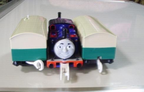 プラレール トーマス ◇ マイティマック  ◇ オリジナル客車2両付き(美品) _画像6