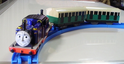 プラレール トーマス ◇ マイティマック  ◇ オリジナル客車2両付き(美品)
