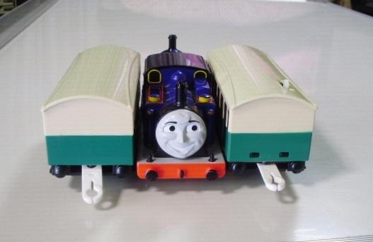 プラレール トーマス ◇ マイティマック  ◇ オリジナル客車2両付き(美品) _画像5