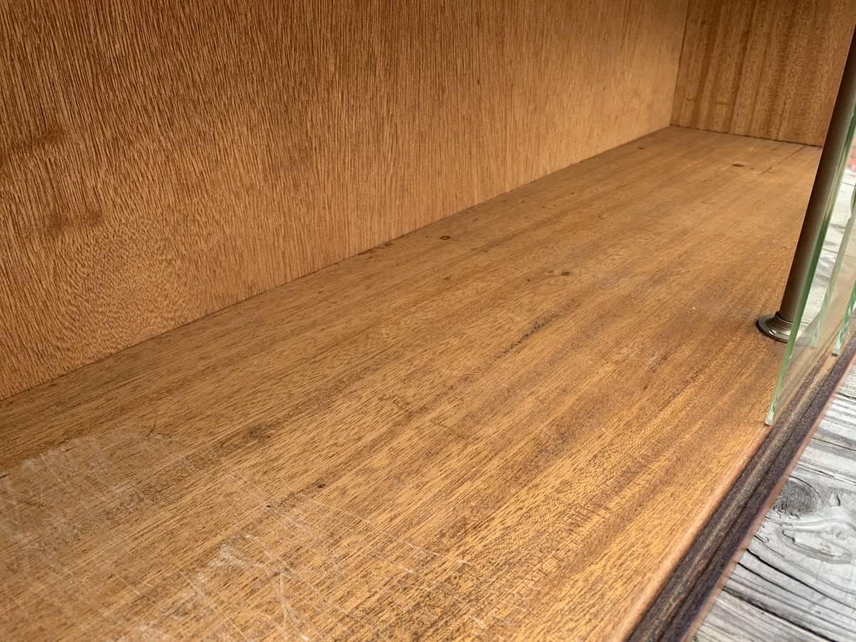 ☆ 送料無料 昭和 アンティーク レトロ 木製 ガラス キャビネット 飾り棚 食器棚 戸棚 古民家 和家具 コレクション 収納 棚_画像4