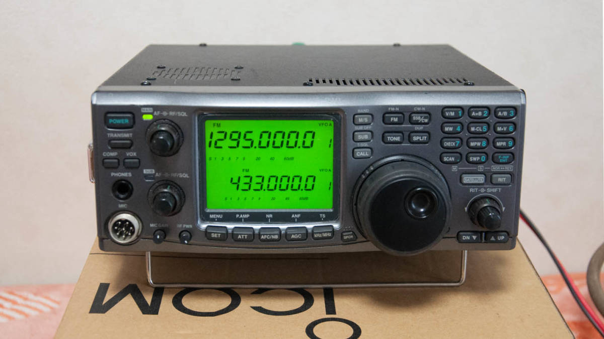 ICOM IC-910D 144/430/1200MHz * DSP,CW filter, height stability