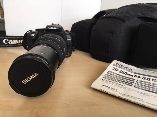 売切り! CANON デジタル一眼カメラ EOS Kiss Digital N / SIGMA ズームレンズ70-300mm F4-5.6 MACRO SUPER Ⅱ/ 一眼用バッグ Lowepro