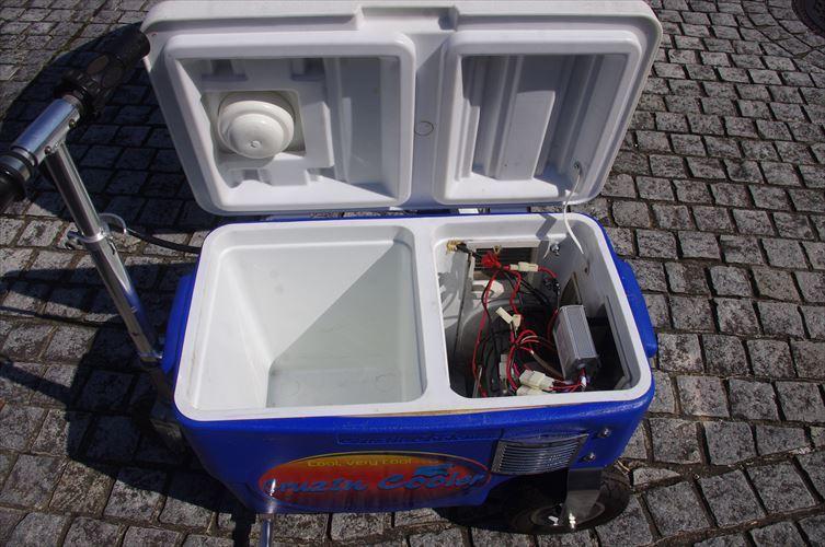 クルージンクーラー 500W 乗用玩具 三輪車 クーラーBOXにタイヤがついて走れちゃう!!各種イベントに大活躍!!バッテリーなし!_画像7