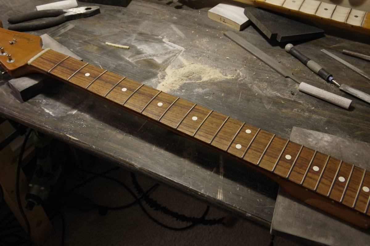フレット交換 リフレット ギター・ベース ステンレスフレットもOK! 最短1週間でご返送!! 札幌_画像6