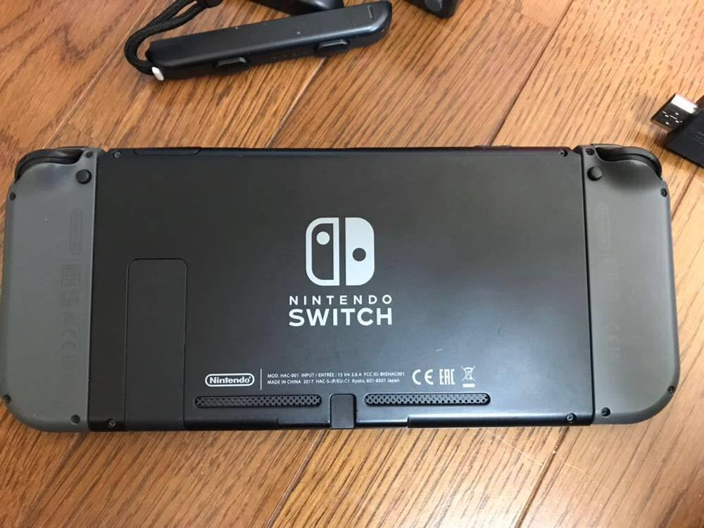 Nintendo Switch 本体 (ニンテンドースイッチ)グレー 中古品 +スタンド・カバー_画像4
