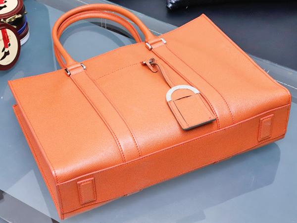 39a5fdfeb037 ... 最新作 最高級グレインカーフレザー BVLGARI BVLGARI MAN メンズ書類ビジネスバッグ トートバッグ 本物 正規. 商品數量: : 1
