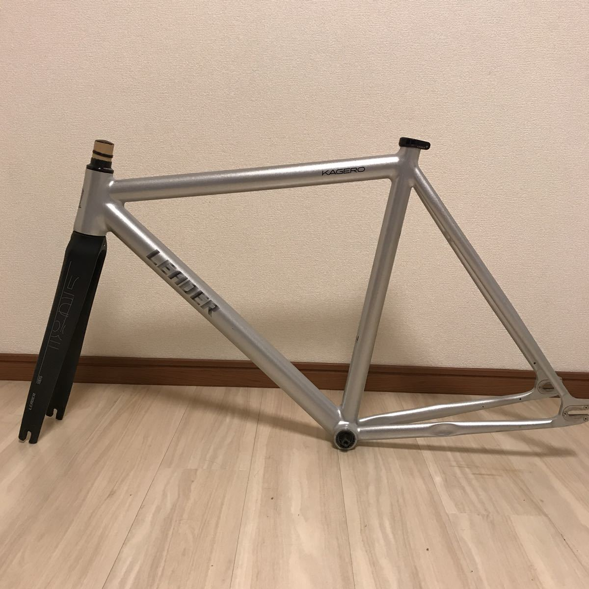 leader bikes kagero リーダーバイク カゲロウ サイズM 極上美品!! ピスト フレーム カーボンフォーク_画像2