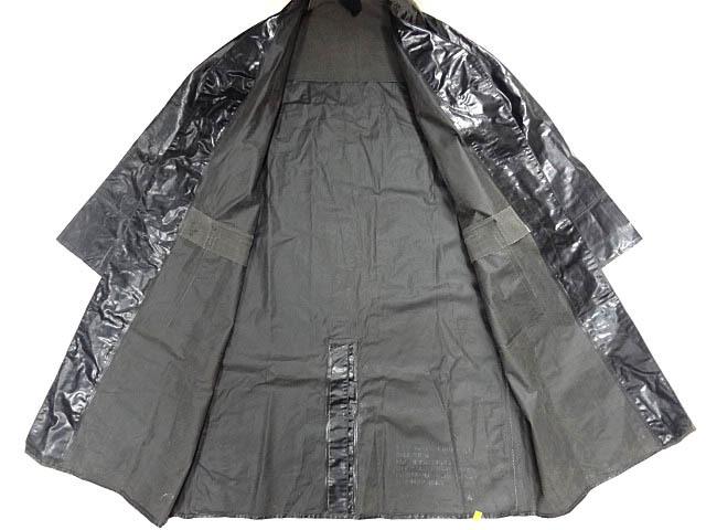 ビンテージ イギリス軍 英国 UK レア 黒 ブラック PVC ラバー ビニール 素材 ロング コート レインコート 防水 オーバー コート 珍品 希少_画像3