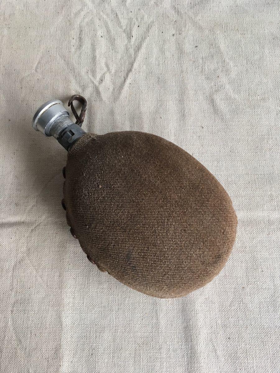 ウールカバー付の水筒 アルミジュラルミンスキットル古道具ビンテージアンティークインテリアインダストリアルシャビー工業系ディスプレイ_画像4