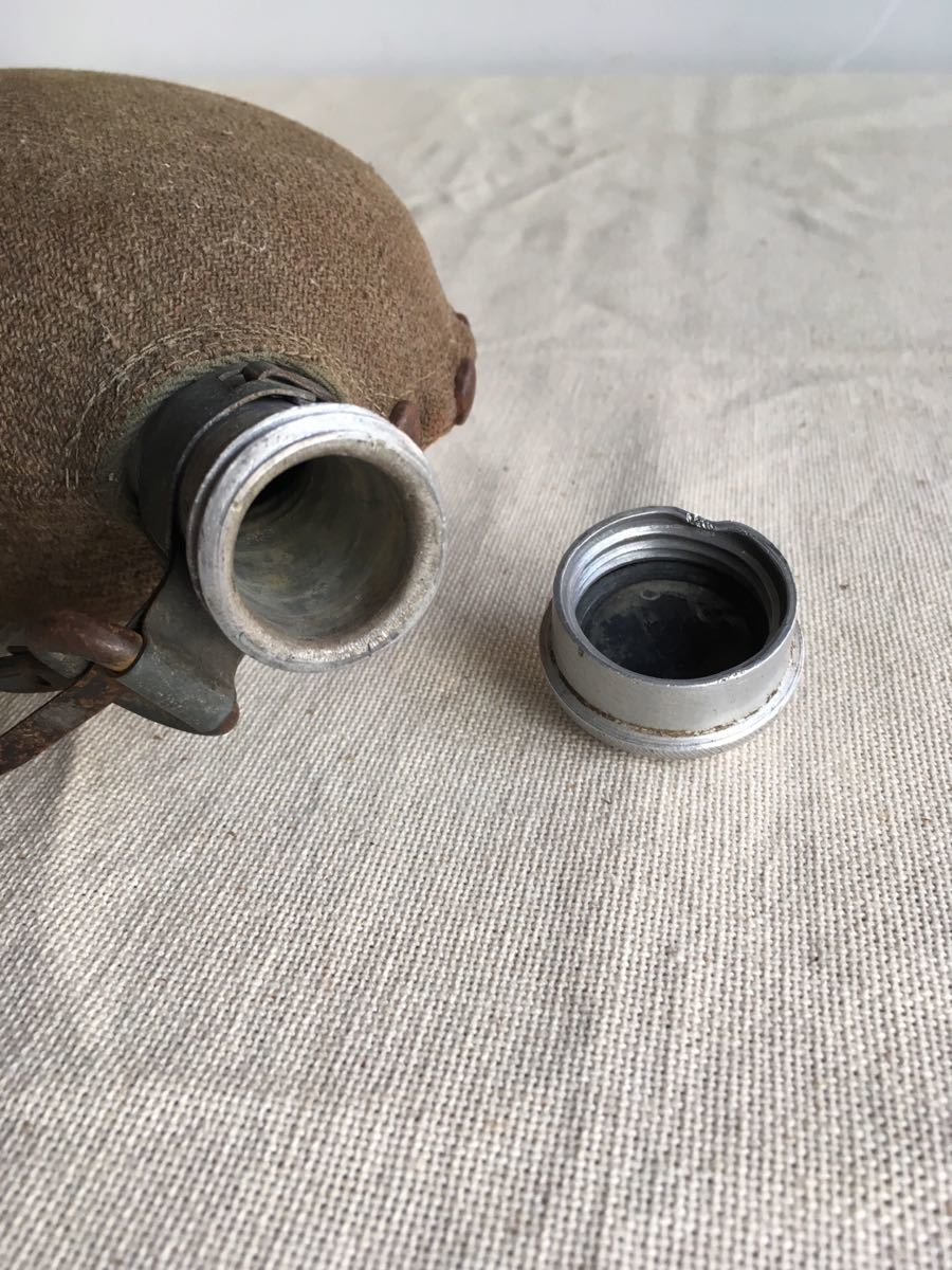 ウールカバー付の水筒 アルミジュラルミンスキットル古道具ビンテージアンティークインテリアインダストリアルシャビー工業系ディスプレイ_画像7