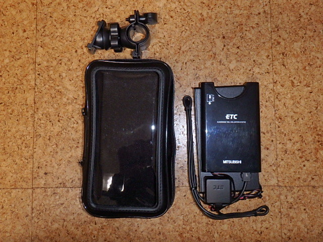 三菱電機製ETC(ナビ用ケース付) 単三乾電池駆動 軽自動車登録済み 動作未確認_画像2