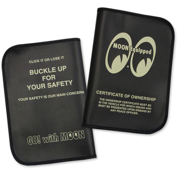 MOON Equipped mooneyes 188円発送可 ムーンアイズ 車検証ホルダー ブラック タイトルホルダー 黒 mooneyes 旅行などの書類にも_画像1