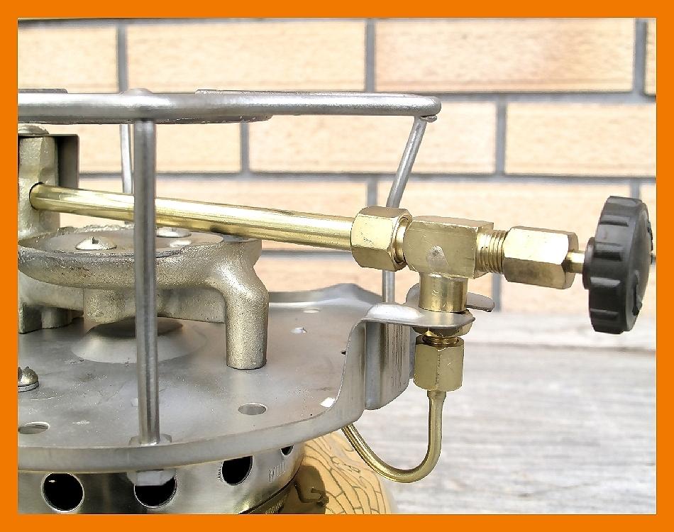 【M】超光沢500コールマン3'47完全燃焼分解整備元箱点火保証ブラスの生地を鏡面に研磨してコーティングしています美しい光沢鏡のタンク_画像9