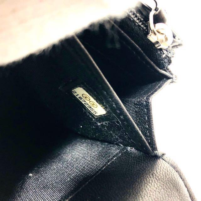 680★ほぼ未使用★シャネル★二つ折り 長財布 ロゴエンボス★正規品★_画像8