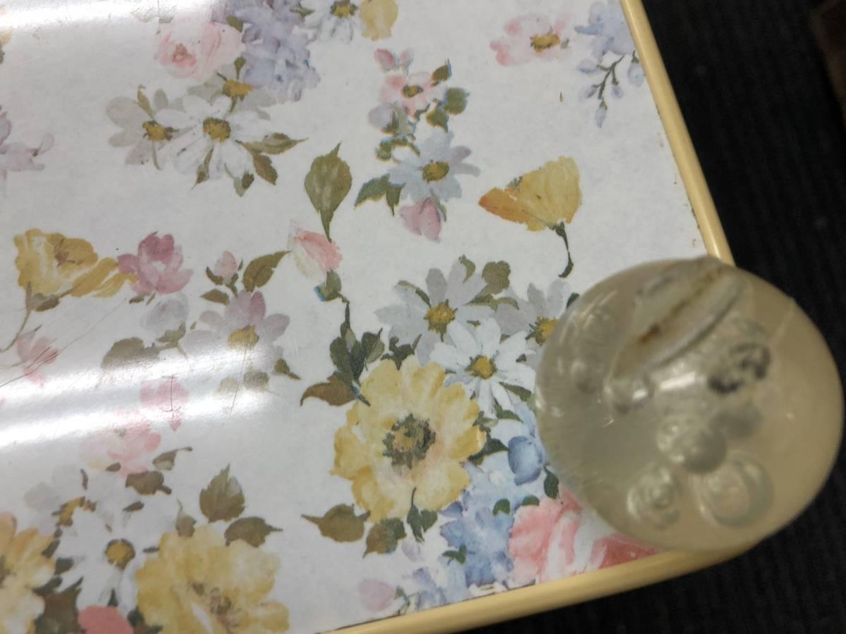 年代物 昭和レトロ ポップ 二段 キッチンワゴン 花台 飾り棚 サイドテーブル 花柄 白 ホワイト_画像4