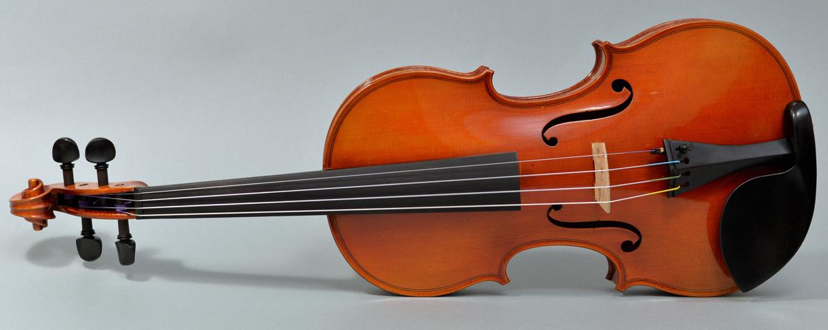 【希少品】Labeled Karl Hofner 4/4バイオリン Schoenbach Bohemia 1929 調整済み フィッティングパーツ新品交換済み _画像4