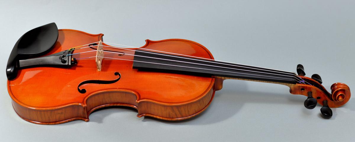 【希少品】Labeled Karl Hofner 4/4バイオリン Schoenbach Bohemia 1929 調整済み フィッティングパーツ新品交換済み _画像2
