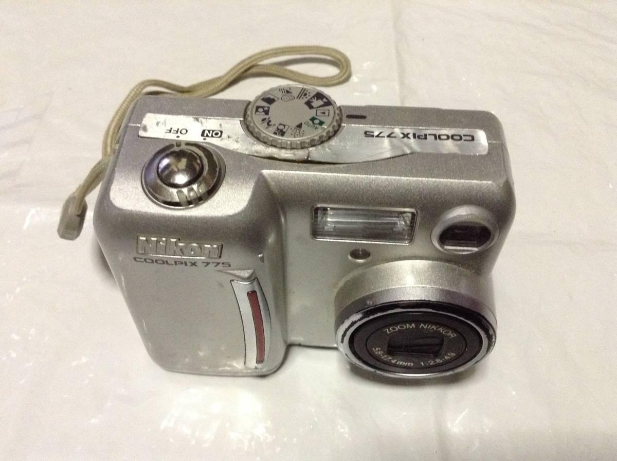 Nikon COOLPIX775 2.14メガピクセル 3倍光学ズーム(中古品)おまけ付き_上面・前面