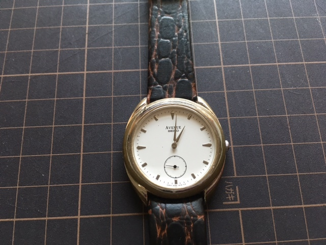 KK297 稀少 レア ヴィンテージ SEIKO/セイコー AVENUE アヴェニュー スモセコ ホワイト 2K23-6110 クオーツ メンズ 腕時計_画像3