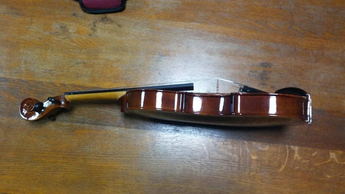 アントニオ・ストラディヴァリ/Antonius Stradivarius Cremonensis Faciebat Anno 1713 チェコスロバキア製 バイオリン 4/4_画像3