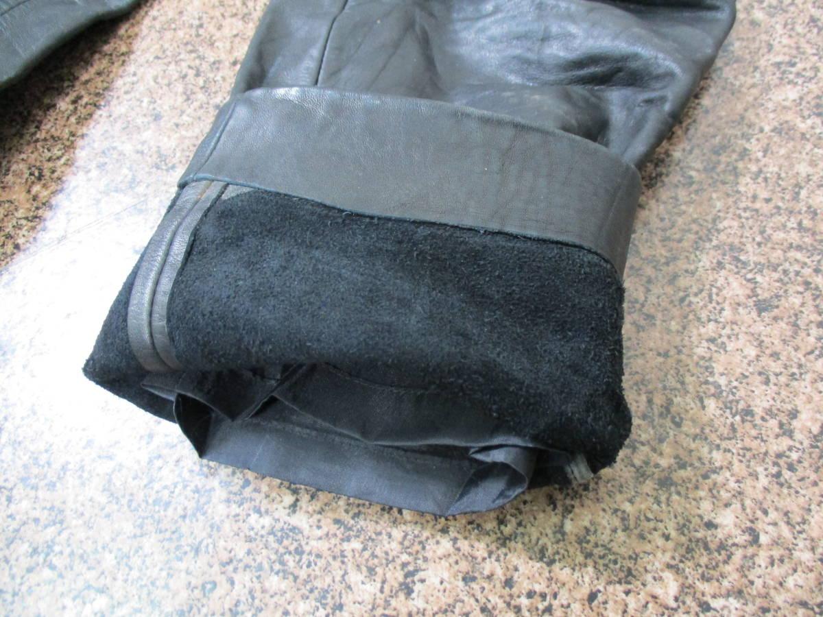 【中古】厚手のレザーパンツ 重量約1kg ウエスト約62cm Sサイズ W29インチ 黒/ブラック 革パンツ 本革製 極厚 ライダース_画像10