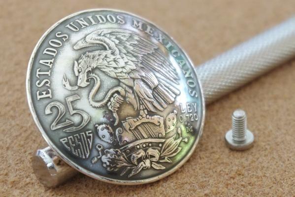 ◆大型 コンチョ ネジ式 メキシコ 25ペソ 銀貨 イーグル シルバー 37mm_画像3