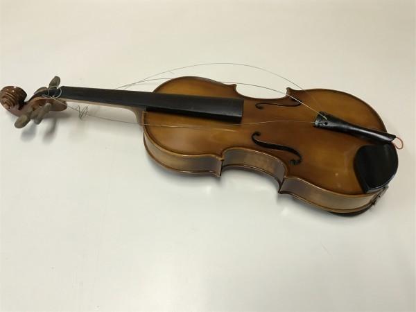 ジャンク品 Kiso Suzuki Violin Copy of Antonius Stradivarus Anno 1973 №9 破損品 ケース付き_画像2